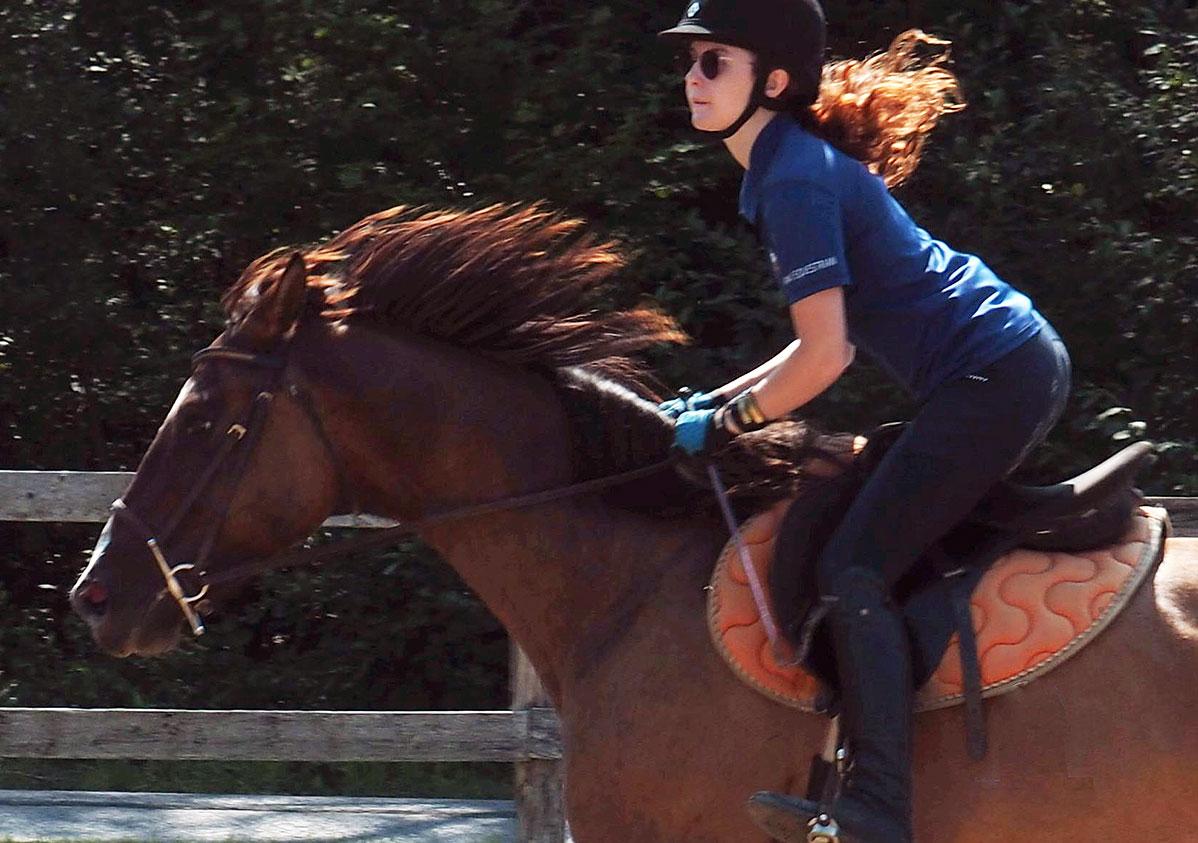 summer horse camps, equestrian, western, english riding, riding camps, trail riding, ottawa, toronto, barrie, renfrew, pembroke, huntsville, belleville, kingston, peterborough