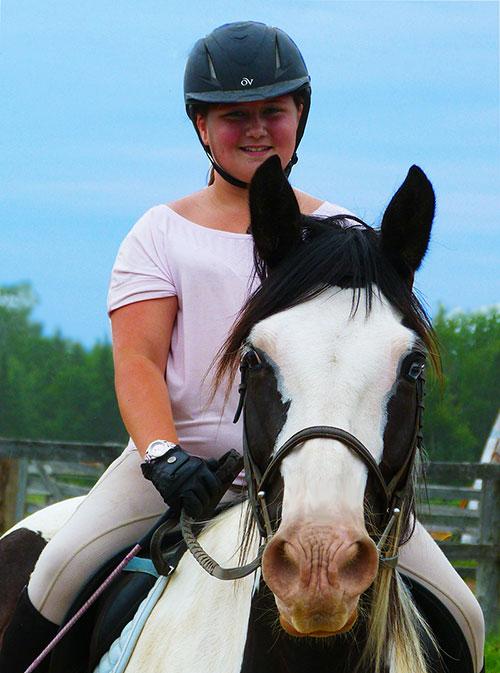 beautiful-kids-riding-horses