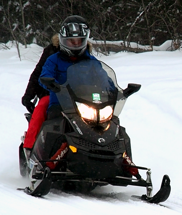 ontario snowmobiling tours and guided snowmobile rentals